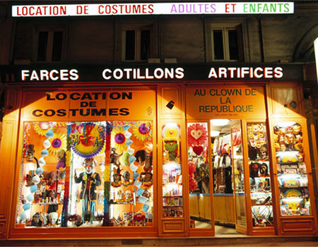 Paris 3 : Au Clown de la République - Magasin de location de costumes
