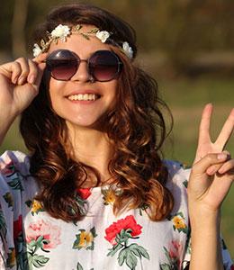Thème Hippie Années 60-70 deguisements, accessoires _ Thèmes - Location de costumes